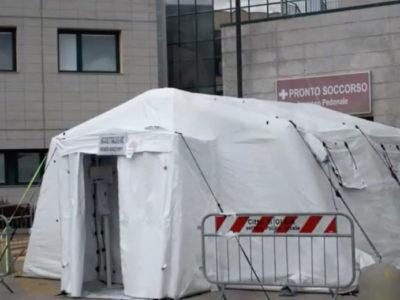 Una tenda allestita per l' emergenza Coronavirus