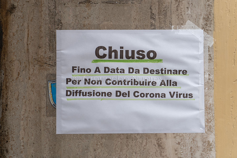 Coronavirus. Una delle attività chiuse a Nuoro (foto S.Novellu)