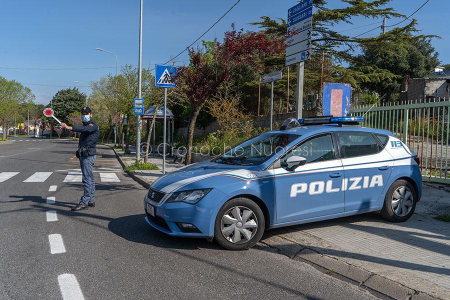 Nuoro, un posto di blocco della Polizia (foto S.Novellu)