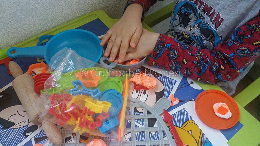 Coronvirus, attività infantili durante il lockdown (foto S.Meloni)