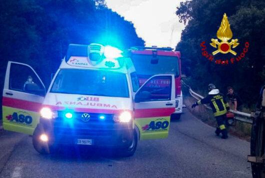L'ambulanza del 118 ASO di Oliena sul luogo dell'incidente