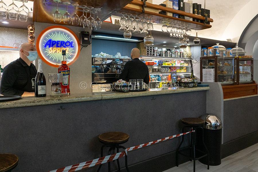 Nuoro, riaperture in Fase 3, il bar Nuovo (foto S.Meloni)