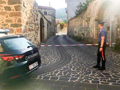 I Carabinieri sul posto dove è avvenuta l'esplosione