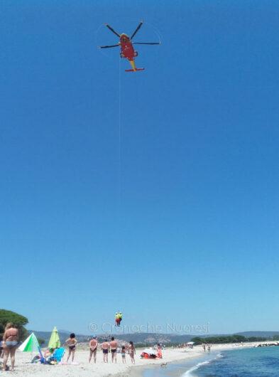L'intervento dell'elisoccorso a Posada (foto Cronache Nuoresi)