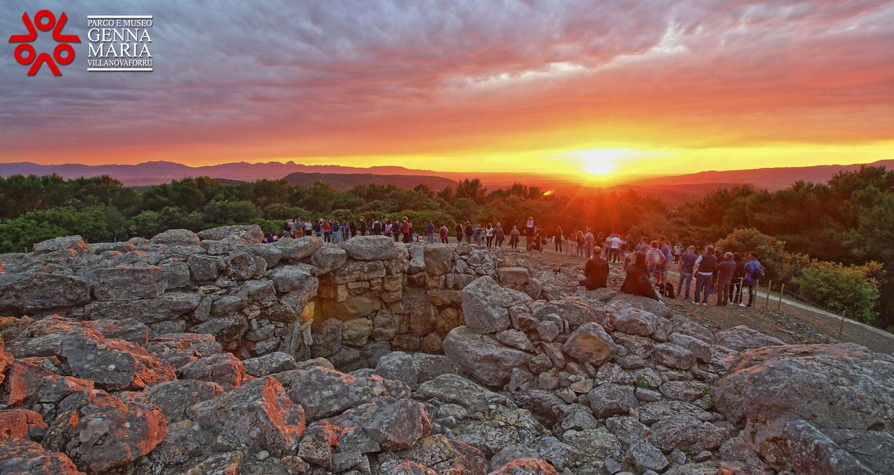 Sardegna. Solstizio d'estate: successo di pubblico per ammirare l'alba e l'universo tra nuraghi e i parchi archeologici