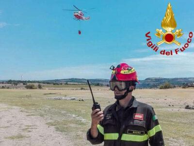 Esercitazione antincendio dei Vigili del fuoco di Nuoro