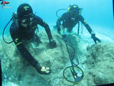 Orosei, Carabinieri recuperano reperti archeologiche dal fondo del mare