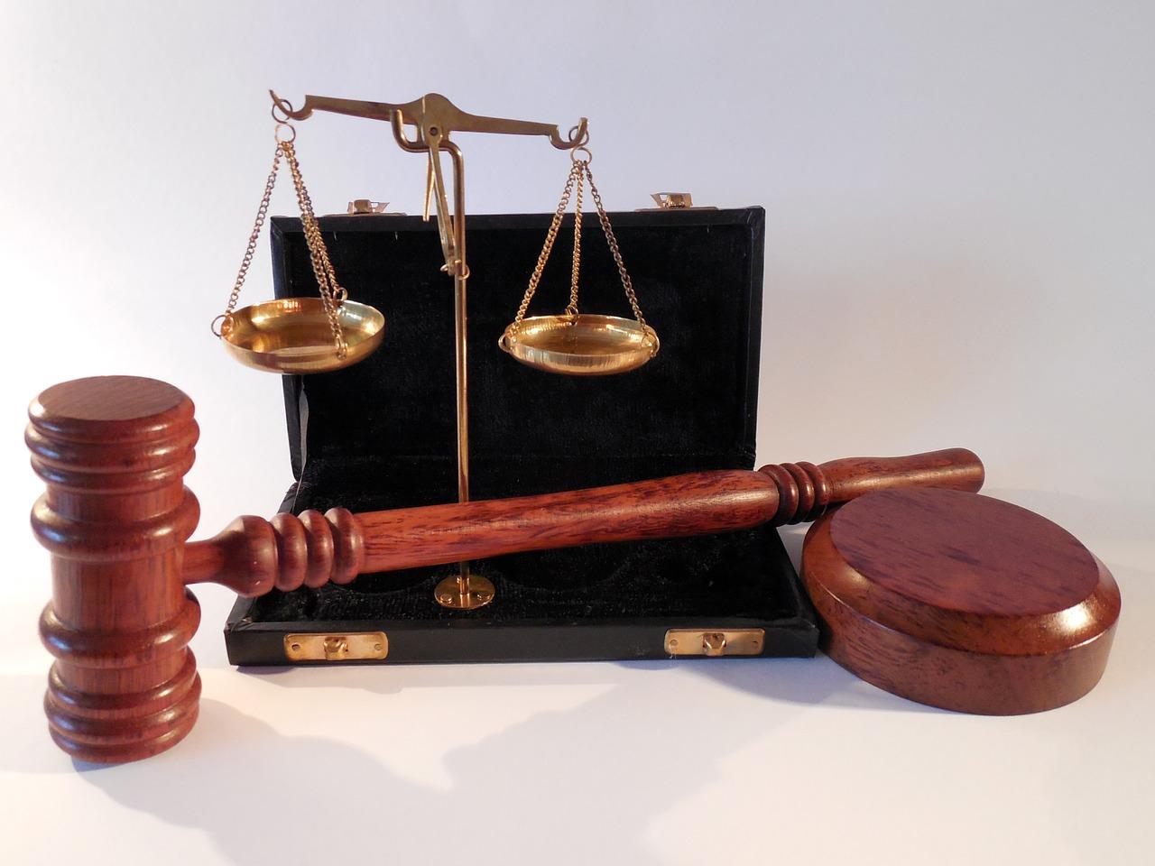 Avvocato, giustizia, L'avvocato risponde