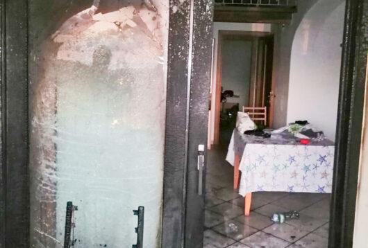 L'appartamento bruciato a San Teodoro