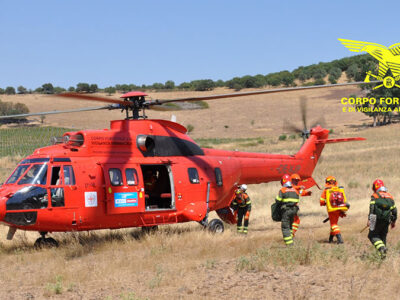 L'elicottero antincendio Super Puma