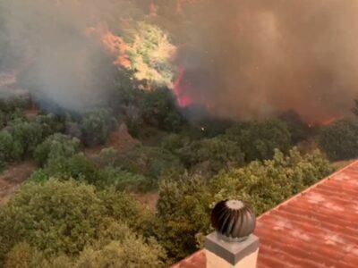 Incendio a Burgos. Le fiamme lambiscono le case