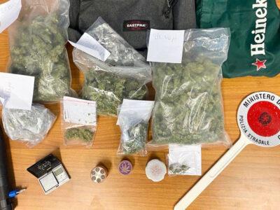 Il sequestro della droga avvenuto da parte della Stradale