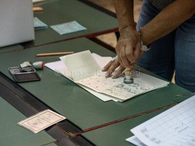 Elezioni, al seggio (foto S.Novellu)