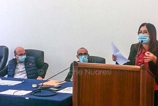 L'intervento di Mara Lapia durante la visita dell'assessore Nieddu al San Francesco (foto S. Meloni)