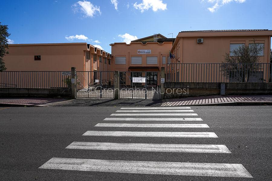 Macomer a rischio zona rossa: almeno 44 i positivi, il sindaco chiude le scuole