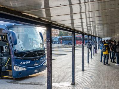 Stazione ARST, studenti pendolari in arrivo a Nuoro (foto S.Novellu)