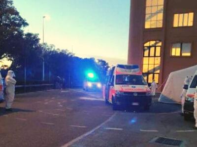 Ambulanze al pronto soccorso San Francesco di Nuoro