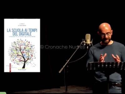 Marco Moledda legge alcune letture per la notte die Ricercatori