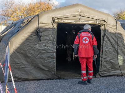 Nuoro, personale della Croce Rossa all'ospedale da campo (foto S.Novellu)