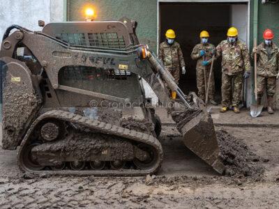 Bitti, proseguono i lavori di ripulitura di via Cavallotti (foto S.Novellu)