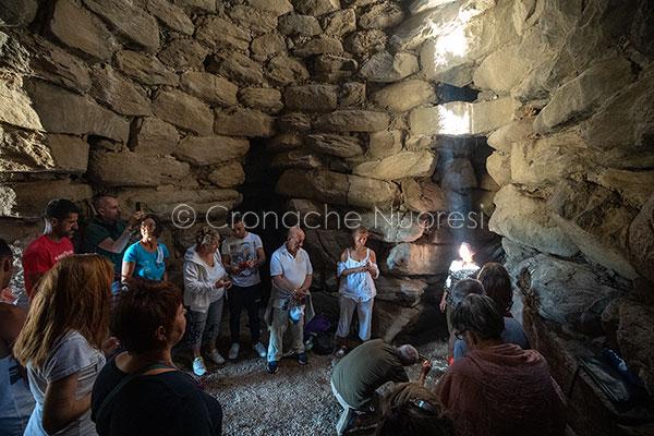 Oniferi. Solstizio d'estate a nuraghe Ola (foto S.Novellu)
