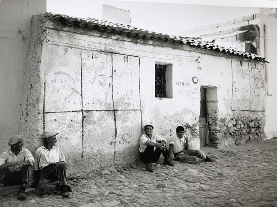 A Nuoro la Sardegna degli anni 60 e 70 nelle fotografie di Lisetta Carmi