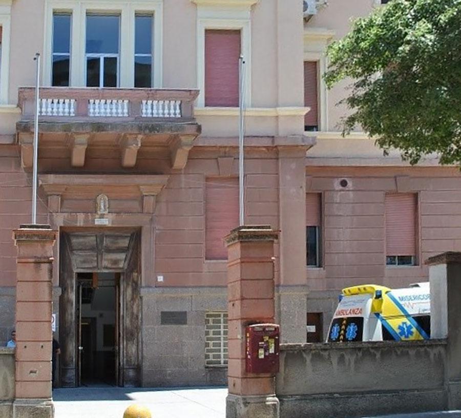 Focolaio Covid alla Clinica Medica AOU di Sassari: sono 20 i positivi