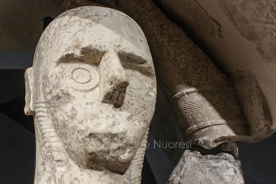 Continua la guerra sul restauro dei Giganti di Mont'e Prama: ora indagano i Carabinieri