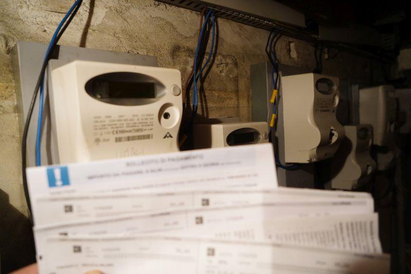 Nel secondo trimestre bollette gas e luce in aumento