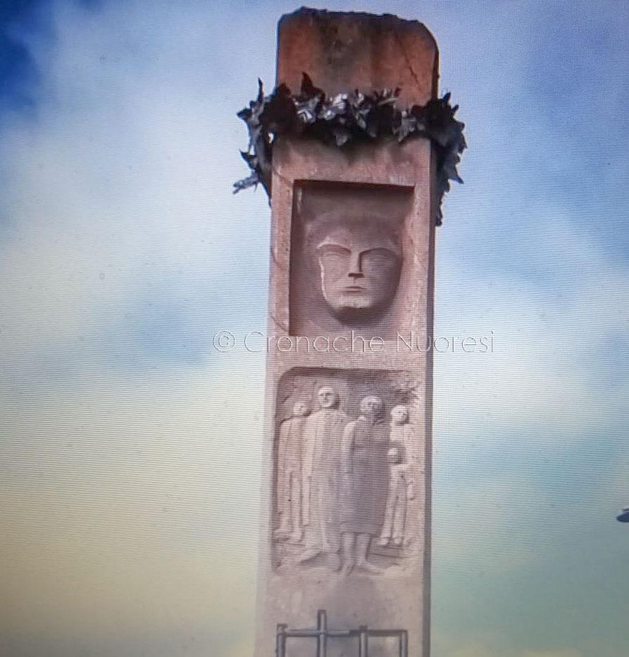 """Macomer. Il monumento di Giovanni Palatucci """"dimenticato"""" tra erba e licheni"""