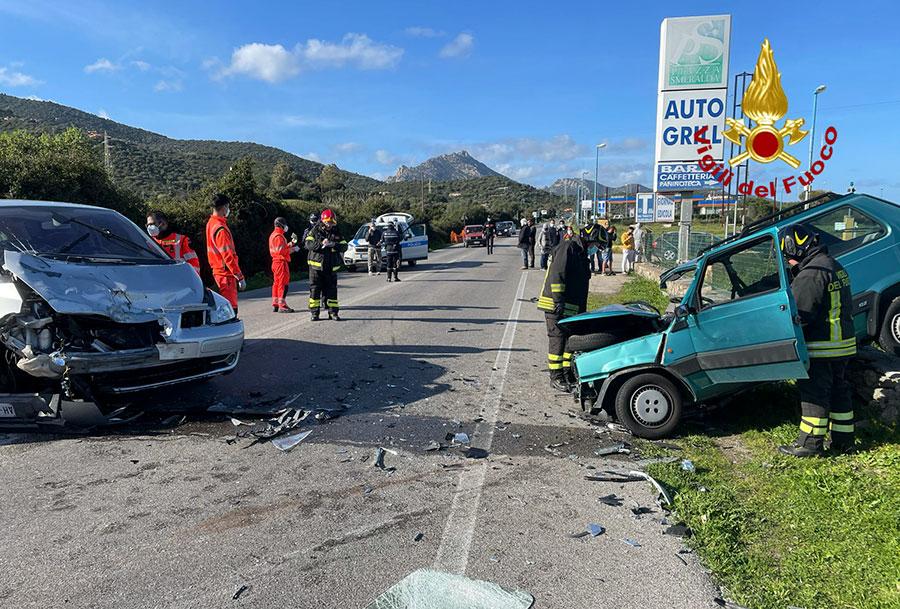 Tragedia della strada sulla SS 125: due morti nello scontro tra due auto