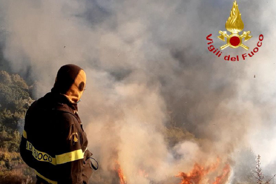 Fiamme a Gairo: in fumo due ettari di macchia mediterranea