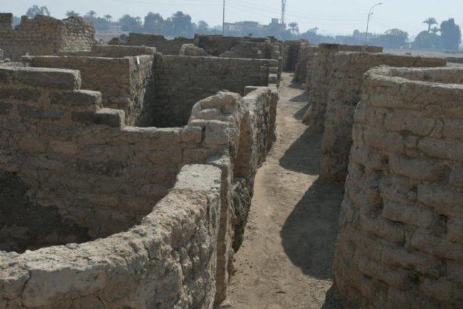 Egitto, ritrovata la Città d'oro perduta