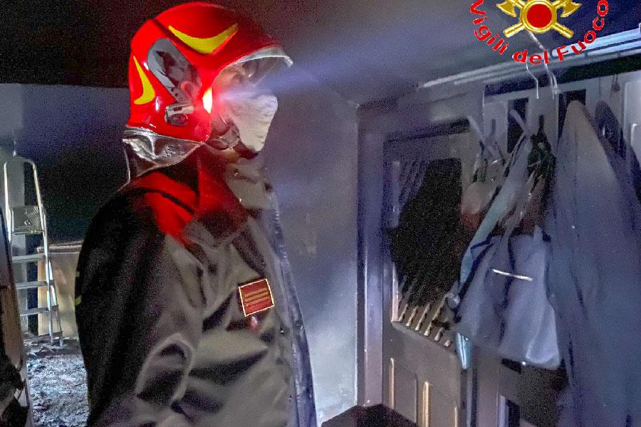 Ollolai. 48enne ustionato nell'incendio della sua cucina
