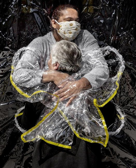 Mads Nissen/Politiken/-Panos Pictures- The First Embrace