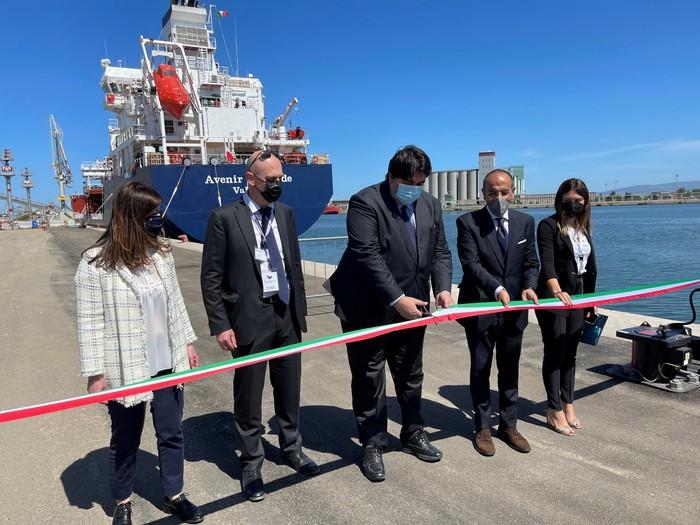Metano: attracca a Oristano la prima nave da trasporto in Sardegna