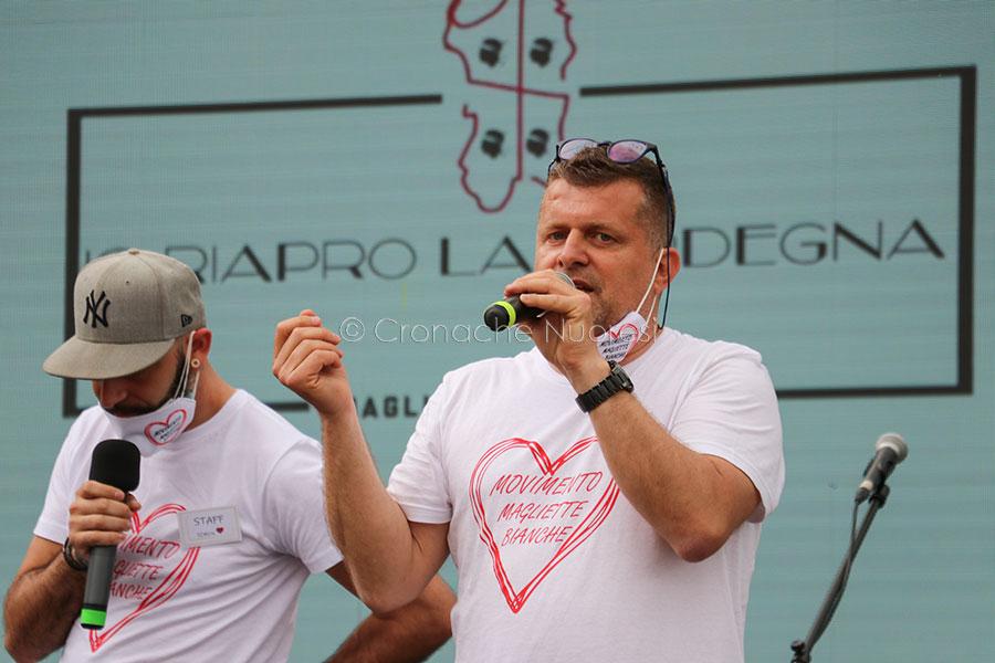 Cagliari, manifestazione delle Magliette bianche per la riapertura delle attività commerciali – IL VIDEO INTEGRALE