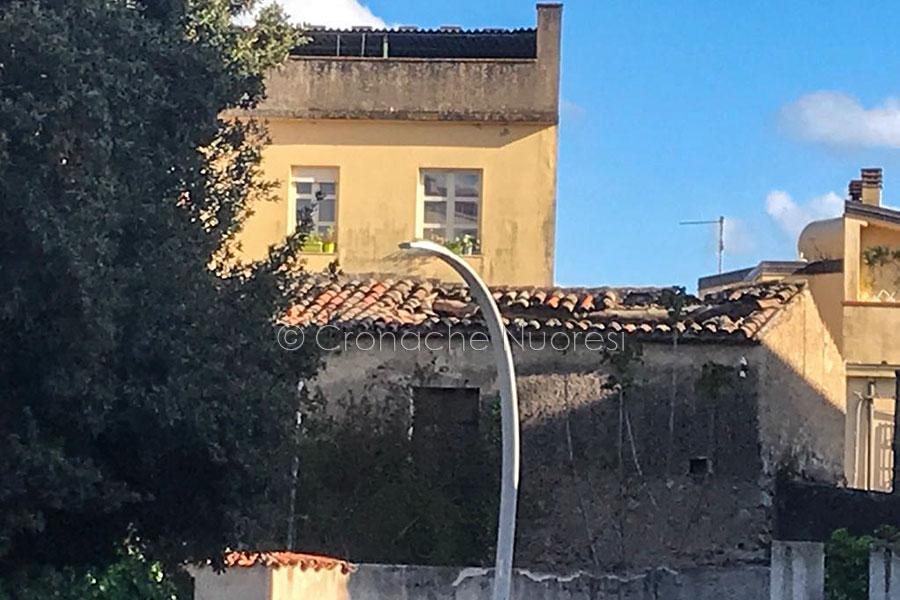 La vecchia Nuoro che cade a pezzi: nuovo crollo a Santu Predu