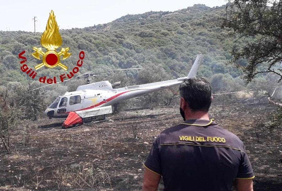 Paura a Ozieri. Precipita elicottero dell'antincendio: illeso il pilota