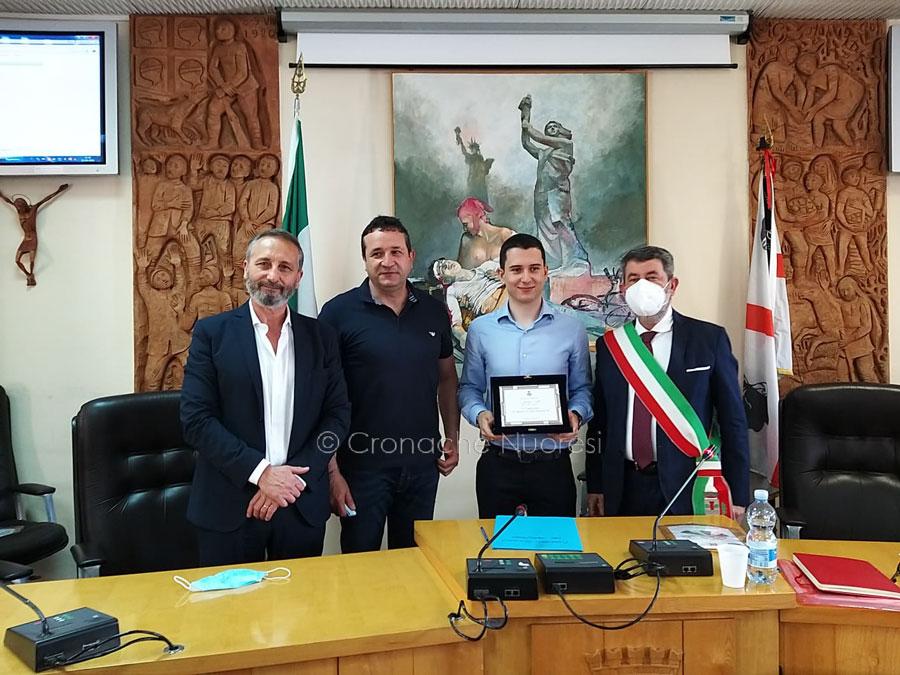 """Macomer. Lo studente Nicola Salis insignito """"Alfiere della Repubblica per l'integrazione sportiva"""""""