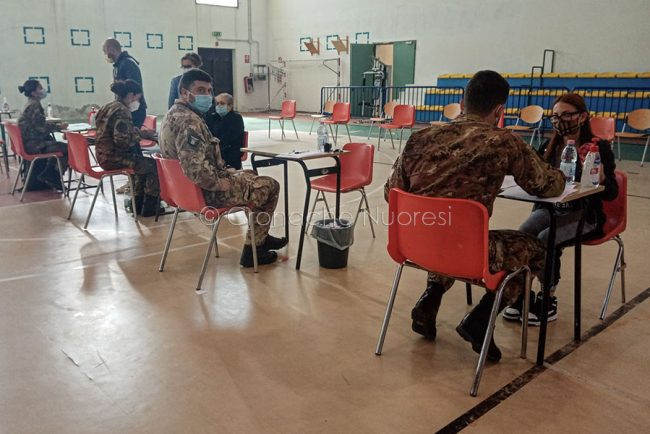 Oliena. L'esercito in campo per i vaccini anti-Covid.