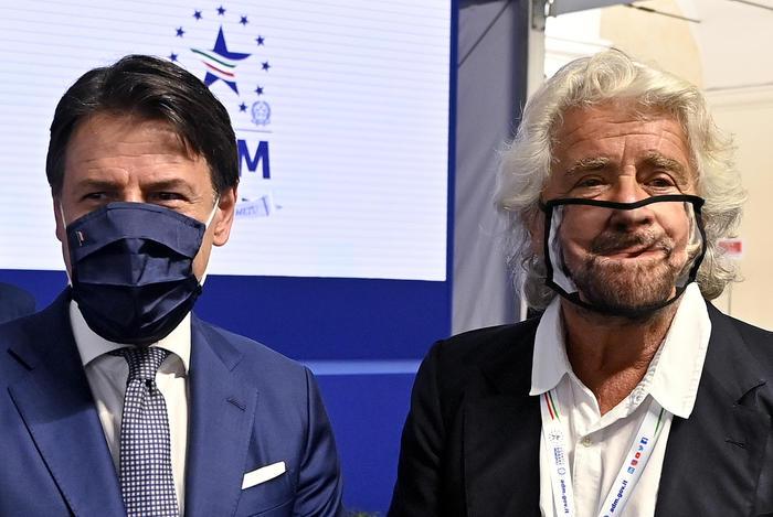 Grillo rompe con Conte: 'Non permetto che M5S sia partito unipersonale'