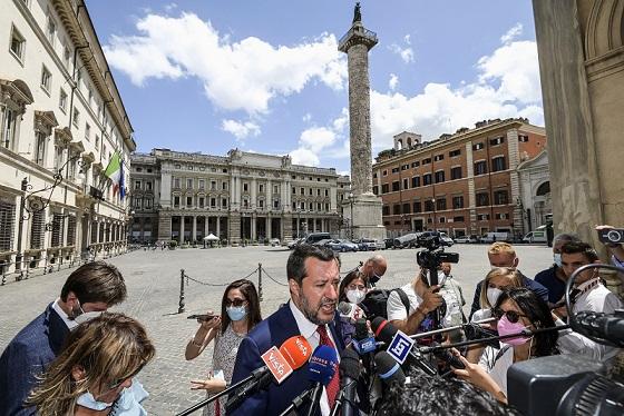 """Salvini """"Mi vaccinerò a brevissimo"""""""