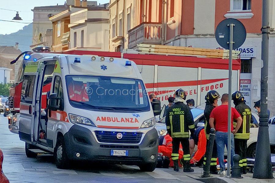 Nuoro. Donna investita in via Roma mentre attraversa la strada finisce in ospedale