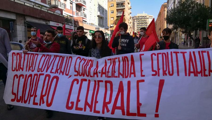 Sciopero generale:  a Cagliari oltre 700 partecipanti provenienti da tutta l'Isola